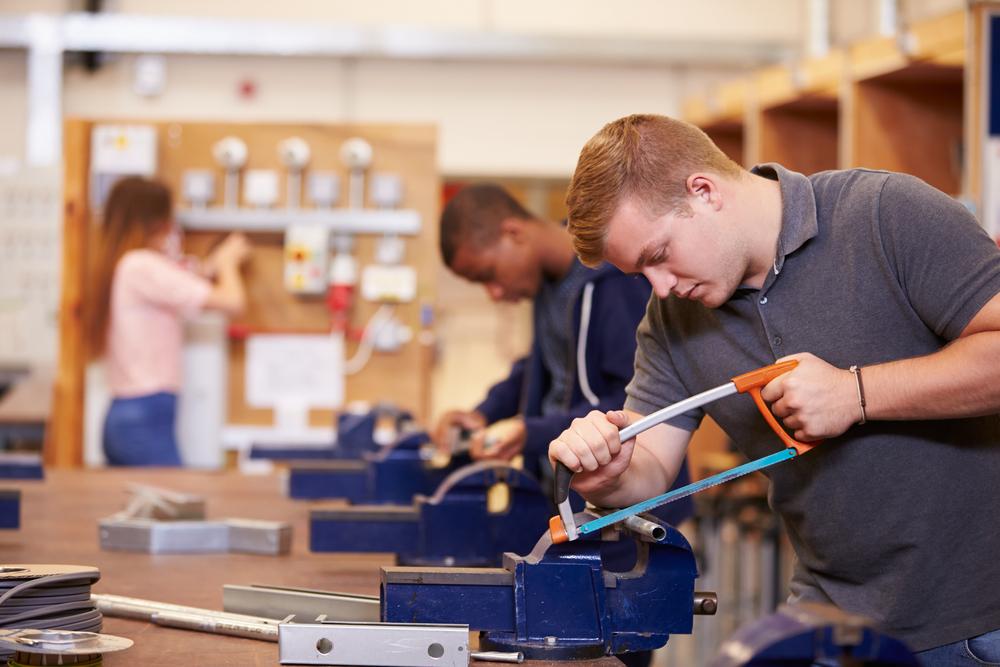 La réforme de l'enseignement technique et professionnel en question(s)