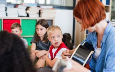 Des Pôles territoriaux pour les élèves à besoins spécifiques. Vraiment pour tous les élèves ?